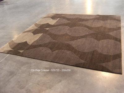 Raja Wool - ORIENTAL - 525/722 design - 250x250cm