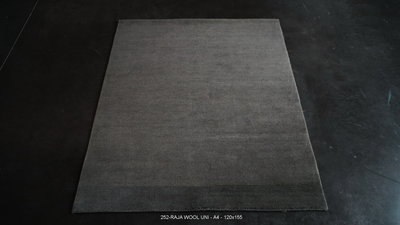 Raja wool plain - A4/darker shade - 120x155